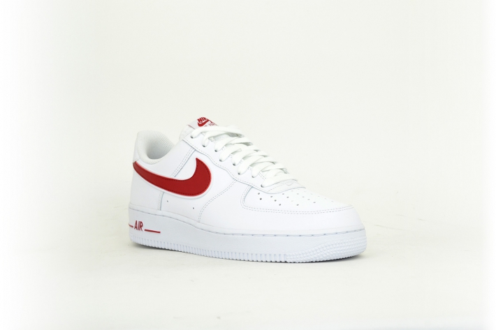Nike Air Force 1 '07 3 rot / weiß