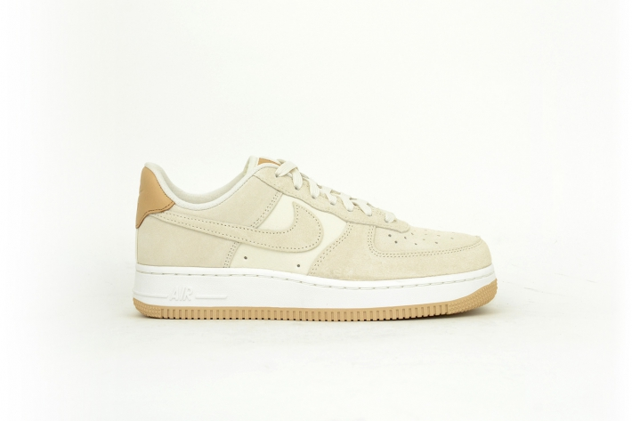 Nike Air Force 1 07 PRM beige