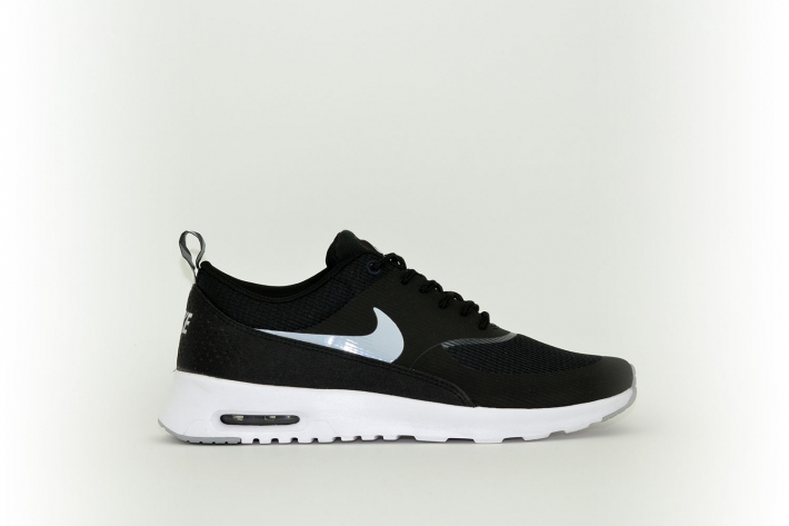 nike damen air max thea schwarz wei f low s. Black Bedroom Furniture Sets. Home Design Ideas