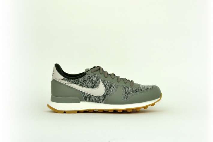 Nike Damen Internationlist grau / grün / meliert