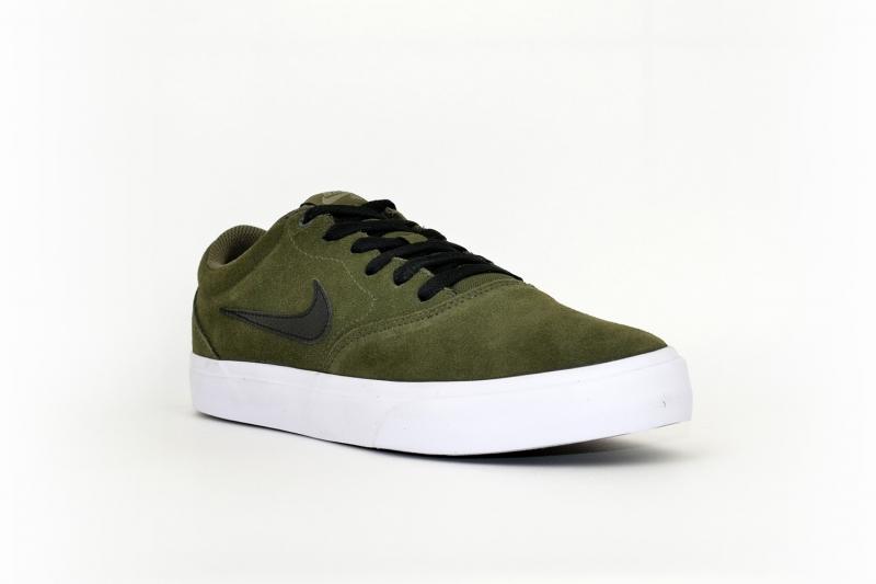 Nike SB charge suede olivgrün / schwarz