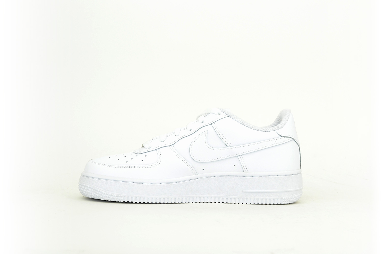 Nike Air Force 1 07 white / weiß / weiß