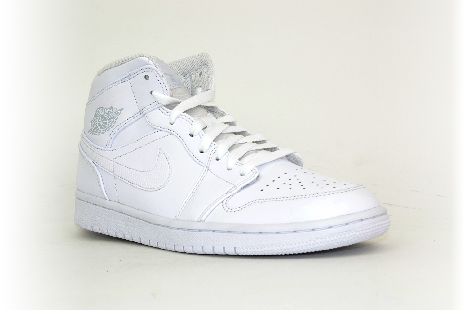 huge selection of d093b 3f07d ... czech nike air jordan 1 mid weiß 881fb 30c7a