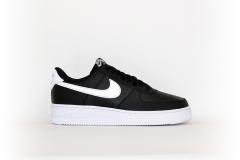Nike Air Force 1 07 schwarz / weiß