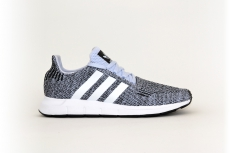 adidas Swift Run hellblau / schwarz