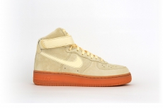 Nike Air Force 1 High 07 LV8 SUEDE beige / braun