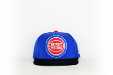 Mitchell & Ness Cap Pistons blue / red / black