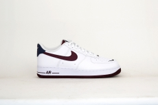 Nike Air Force 1 07 LV8 4 weiß / maroon
