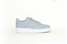 Nike Air Force 1 07 grau / weiß