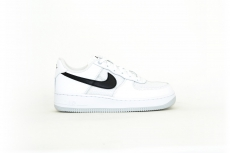 Nike Air Force 1 07 LV8 1 white / black