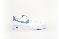 Nike Air Force 1 07 LV8 weiß / grau