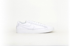 Nike Blazer Low white / weiß