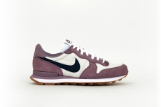 Nike Damen Internationalist violett / weiß